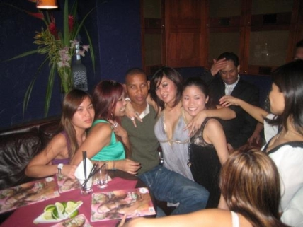 reggie-miller-partying-with-ladies