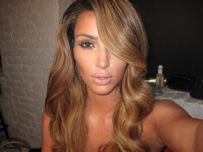 kim-kardashian-blonde-hair-1