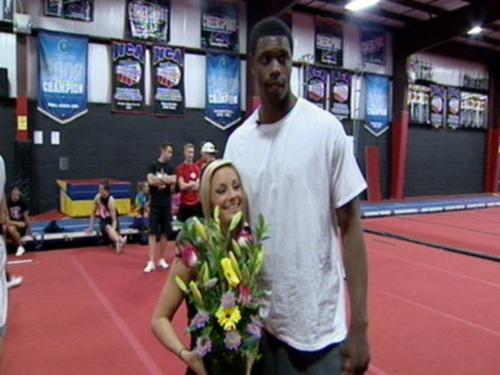 terrence-jones-brings-cheerleader-jerica-logue-flowers