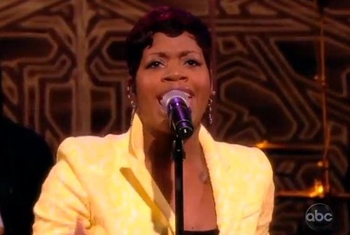 fantasia-performs-lose-to-win