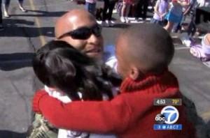 navy-dad-surprises-kids