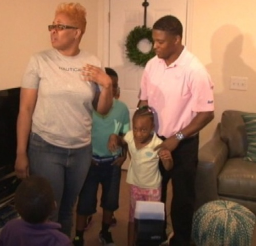warrick-dunn-surprises-single-mother-house