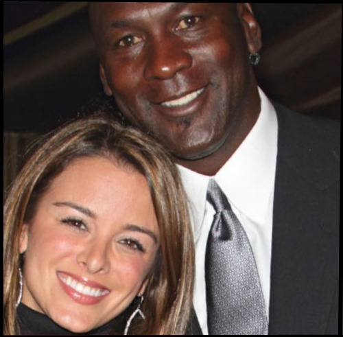 MICHAEL-JORDAN-AND-WIFE-HAVING-TWINS