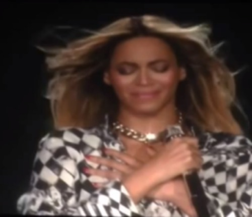 beyonce-cries-tears-concert-video