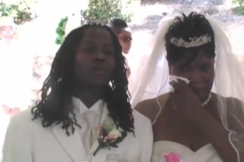 son-sings-to-mother-wedding-video