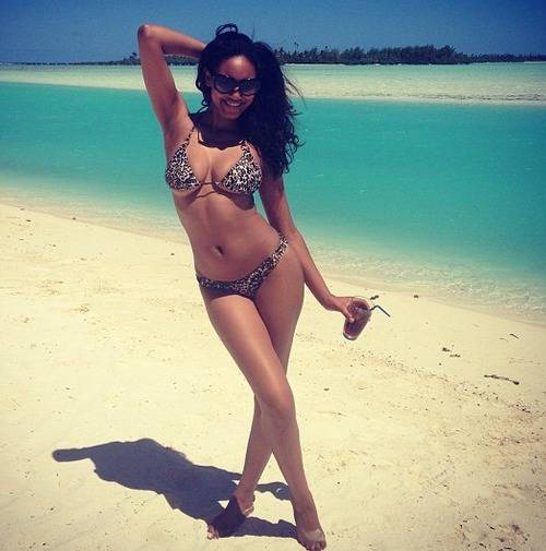 ariel-meredith-si-model-pics