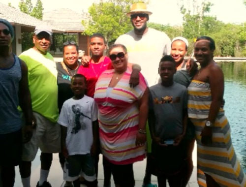 lebron-james-savannah-family-vacation