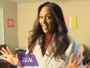 Tamera-Mowry-Housley-backstage-tour-the-real-video
