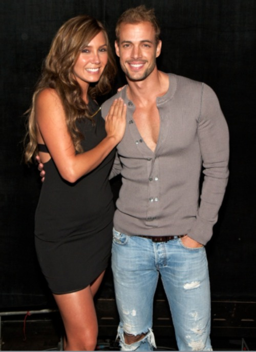 William-Levy-Girlfriend-wife-Elizabeth-Gutiérrez-pics