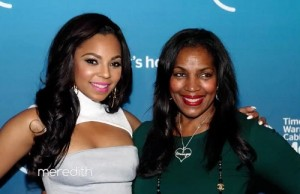 ashanti-mother-tina-douglas-photo-pic