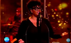 jill-scott-performs-on-the-view