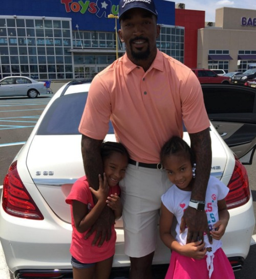 jr-smith-daughters-family