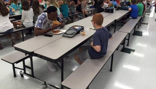 FSU-receiver-travis-rudolph-has-lunch-with-middle-school-student-autism-pics-video-