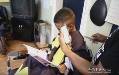 Inspiring: Barber Gets Children Excited To Read Books While Getting Their Hair Cut! (Video)
