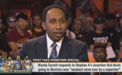 Stephen A. Smith Gets Warm Welcome After Returning From His Mother's Funeral + He Respectfully Responds To Kevin Durant's Mother's Comments About Him Calling Her Son 'Weak!' (Video)