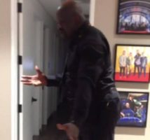 "Shaquille O'Neal Dances And Twerks To Ciara's ""Ride"" + Asks Her to Sign Him! (Video)"