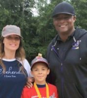 "Former NFL Star Warren Moon Denies S#xually Harassing His Ex-Assistant Wendy Haskell: ""She Needs To Pay My Legal Bills!"" (Video)"